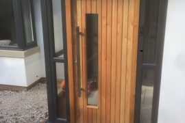 LARCH EXTERNAL DOOR & FRAME WITH 3 POINT LOCK