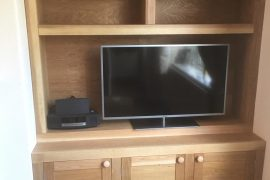 FITTED OAK MEDIA UNIT WITH MATCHING STORAGE